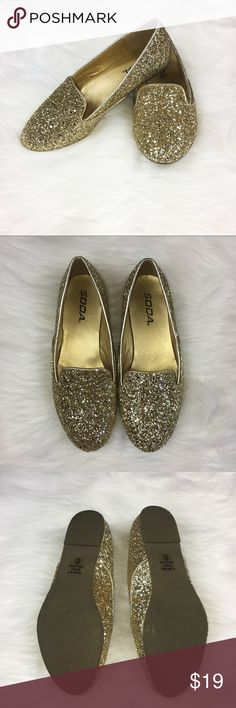 Soda Gold Glitter Flats Soda glitter flats. Size 6. Pre-owned condition but you can barely tell! They are perfect for any event or special outfit. No box included.  ❌I do not Trade 🙅🏻 Or model💲 Posh Transactions ONLY Soda Shoes Flats & Loafers