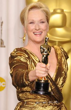 "Mary Louise ""Meryl"" Streep raised her Oscar trophy for Best Actress in The Iron Lady in her awe inspired role of the late British Female Prime Minister Margaret Thatcher. Meryl Streep, Divas, Grace Gummer, Les Oscars, The Iron Lady, Oscar Wins, Iconic Women, Academy Awards, Hollywood Celebrities"