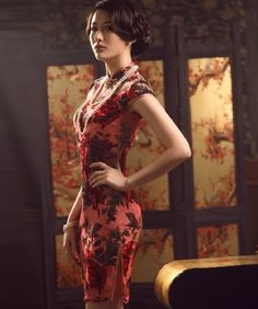 Red gorgeous Chinese dress