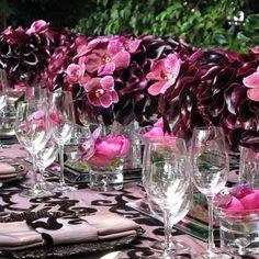 monochromatic floral tablescape