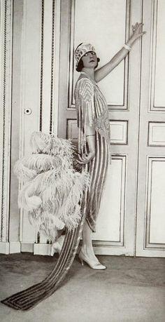 indypendent-thinking:   Robe du soir 1921 (by...