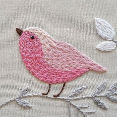 The bird looks like it is filled with simple Split Stitch - very cute! O QUANTO NOSSA CRIATIVIDADE É CAPAZ!