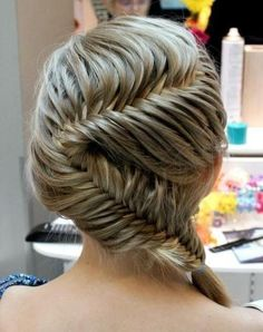 ooh la la!  love this fishtail, gonna try this one
