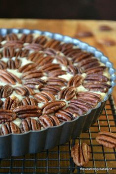 Pecan shortbread pie