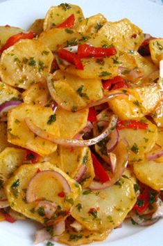 Kızarmış Patates Salatası Tarifi – Nefis Yemek Tarifleri – Salata meze kanepe tarifleri – Las recetas más prácticas y fáciles Potato Recipes, Meat Recipes, Salad Recipes, Cooking Recipes, Healthy Recipes, Delicious Recipes, Healthy Foods, Fried Potato Salad Recipe, Cottage Cheese Salad