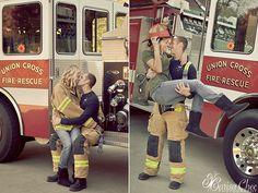 firetruck engagement photo shoot