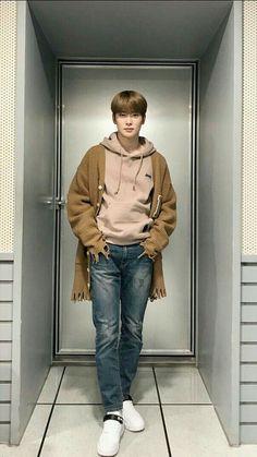 Korean Fashion Men, Boy Fashion, Winter Fashion, K Pop, Seoul, Rapper, Outfits Hombre, Boy Idols, Nct Johnny