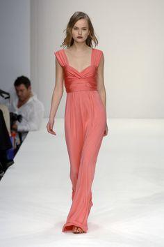 Issa at London Fashion Week Fall 2008 - Runway Photos