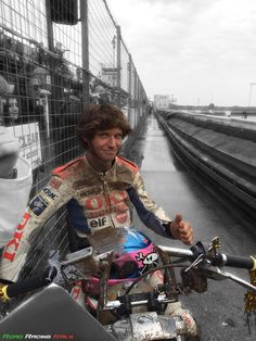 Dirtquake 2014. #GuyMartin Guy Martin, New Motorcycles, Back On Track, Big Guys, Isle Of Man, Road Racing, Sport Man, Sport Bikes, Gorgeous Men