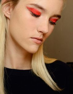 Max Mara Spring Summer 2015 beauty by MAC. Graphic red eyelids with MAC Pro Red Electric Pigment