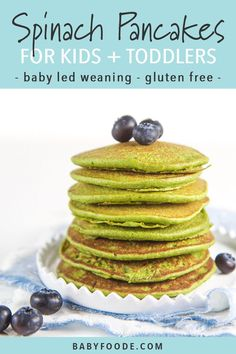 Easy Blender Spinach Pancakes for Baby + Toddler (Allergy Friendly!) - Baby Wear - Easy Blender Spinach Pancakes for Baby + Toddler (Allergy Friendly! Spinach Pancakes, Baby Pancakes, Breakfast Pancakes, Pancakes Easy, Baby Food Spinach, Baby Muffins, Spinach Recipes, Banana Pancakes, Nut Free