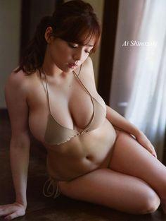 篠崎愛 /Ai Shinozaki
