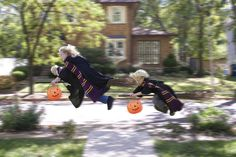 Awesome dad with awesome photoshop skills gives his kids a great Halloween!