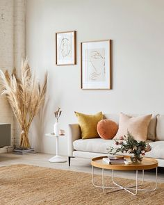 25 elegant living room wall colors - Home and Garden Decoration Living Room Modern, Living Room Interior, Interior Livingroom, Living Room Decor Yellow, Living Room Warm Colors, Beige Sofa Living Room, Blush Living Room, Minimal Living, Interior Rugs