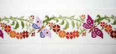 drap de bain motif guirlande fleurs et papillons