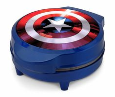 Create a new shield for Captain America with a waffle batter! Make every morning the best for a Steve Rogers fan with this Captain America waffle maker! Marvel Captain America, Captain America Party, Marvel Avengers, Marvel Order, Marvel News, Marvel Comics, Waffle Maker Reviews, Ps Wallpaper, Capitan America Chris Evans