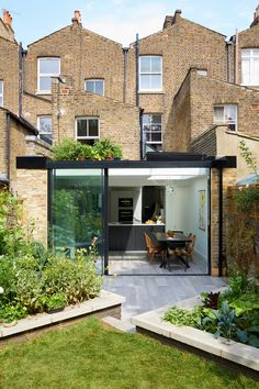 13 Coolest Modern Terrace And Outdoor Space Design Ideas – My Life Spot House Extension Design, Glass Extension, Roof Extension, House Design, Extension Ideas, Victorian Terrace House, Victorian Homes, Conservatory Kitchen, Terrasse Design