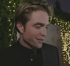 Walking Meme, King Robert, Edward Cullen, Robert Pattinson, Im In Love, My Man, Bobby, Handsome, Guys