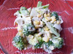 Sałatka z brokuła z jajkami jest łatwa do zrobienia i smaczna
