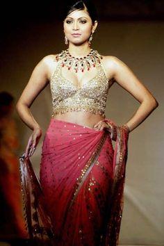 Beautiful #Saree Ensemble by Ritu Kumar http://www.ritukumar.com/