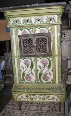 Foyers, Art Nouveau, Coal Stove, Vintage Stoves, Cemetery Art, Vintage Bottles, Fireplaces, Sweet Home, Shabby