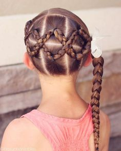 """1,465 curtidas, 34 comentários - angie smith • hair tutorials (@brownhairedbliss) no Instagram: """"Cross crossed braids into a side ponytail. This is sure to stay out all day long :). •• inspired by…"""""""