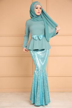 ** YENİ ÜRÜN ** Eteği Payetli İkili Kombin Mint Ürün Kodu: MSW8311 --> 159.90 TL Muslim Fashion, Hijab Fashion, Fashion Dresses, Kebaya Dress, Hijab Dress, Kebaya Modern Hijab, Cocktail Wedding Attire, Batik Dress, Mode Hijab