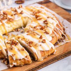 Danish Cuisine, Danish Food, Danish Pastries, Danish Dessert, Puff Pastries, Pecan Danish Recipe, Danish Recipe Easy, Danish Recipes, Almond Kringle Recipe