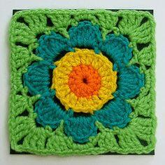 Groovy Textiles, #crochet, free pattern, granny square, flower, #haken, gratis patroon (Engels), bloem, deken, sprei, #haakpatroon