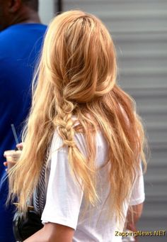 Serena loose braid with messy hair - wonderful.