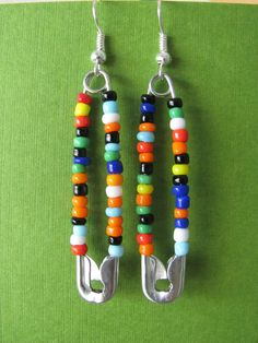 Hanging safety pin earrings with beads by JemmaDesign on Etsy, Safety Pin Bracelet, Safety Pin Jewelry, Safety Pin Earrings, Wire Jewelry, Beaded Jewelry, Jewellery, Safety Pin Art, Safety Pin Crafts, Safety Pins
