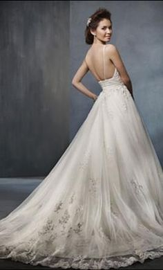 Alfred Angelo 2300: buy this dress for a fraction of the salon price on PreOwnedWeddingDresses.com