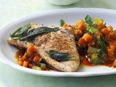Rezept: Salbei-Putenschnitzel mit buntem Gemüse