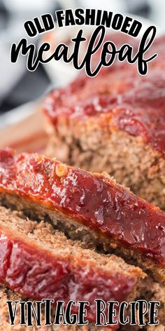 The most classic of American comfort foods, meatloaf is the ultimate family dinner recipe that is simple to make and full of flavor. Moist and tender, this meatloaf recipe is a delicious combination of savory meat and seasonings with a sweet and tangy glaze on top. Juicy Meatloaf Recipe, Meat Loaf Recipe Easy, Meatloaf Sauce, Bake Turkey Wings Recipe, Baked Turkey Wings, Homemade Meatloaf, Easy Meatloaf, Traditional Meatloaf Recipes, Old Fashioned Meatloaf