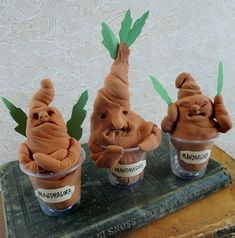 easy mandrake that even the littlest wizard or witch can repot!An easy mandrake that even the littlest wizard or witch can repot! Baby Harry Potter, Harry Potter Motto Party, Harry Potter Mandrake, Harry Potter Classes, Harry Potter Fiesta, Harry Potter Party Games, Harry Potter Activities, Harry Potter Classroom, Harry Potter Bedroom