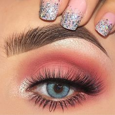 Stunning eye makeup for blue eyes