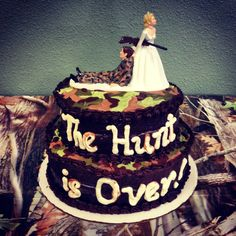 Camouflage groom's cake! The hunt is over!