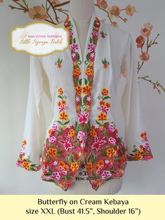 Kebaya Modern Dress, Embroidery Materials, Embroidery Suits Design, Plus Size Dresses, Casual Wear, Kimono Top, Chinese, Coats, Flower
