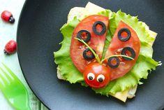 Leuke food art voor kinderen - Easy food art for children! Easy Food Art, Creative Food Art, Food Art For Kids, Cooking With Kids, Food Design, Cute Food, Good Food, Funny Fruit, Food Carving