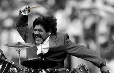 'So di non essere nessuno per cambiare il mondo, ma non voglio che entri qualcuno nel mio per condizionarlo.' Diego Armando Maradona #ipsedixit #cultstories #sport #calcio #soccer #napoli #argentina Cult Stories