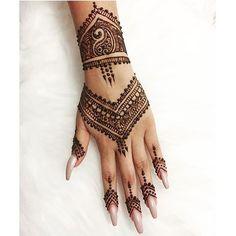 Amazing Advice For Getting Rid Of Cellulite and Henna Tattoo… – Henna Tattoos Mehendi Mehndi Design Ideas and Tips Henna Tattoo Hand, Henna Tattoo Designs, 16 Tattoo, Henna Ink, Henna Body Art, Henna Mehndi, Mehendi, Cute Henna Designs, Eid Mehndi Designs