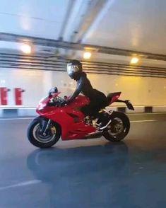 Motorcycle Helmet Design, Motorbike Girl, He Man Thundercats, Best Luxury Cars, Hot Bikes, Cute Anime Couples, Biker Girl, Girl Gifs, Bikers