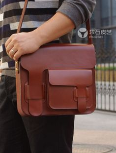 Superior Genuine Cow Leather Messenger / Shoulder Bag / Men's Bag in Red Brown the idea only Cow Leather, Leather Bags, Leather Craft, Mk Bags, Leather Projects, Mode Style, Leather Working, Backpack Bags, Fashion Bags