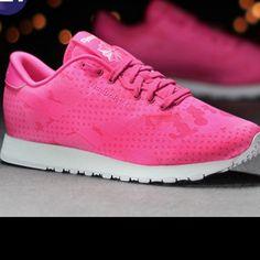 01574e420de32 7 Best (Pink) Reebok outfit images