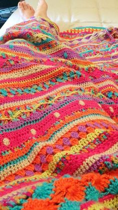 PATTERN: http://notyouraveragecrochet.com/as-we-go-stripey-blanket/