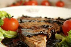 Bife de vaca com vinagre balsâmico