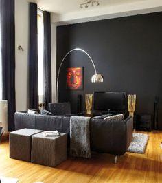 Vous pouvez peindre votre mur en noir, la télé passera totalement inaperçue.