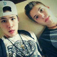 Carter Reynolds and Matthew Espinosa♥♥♥ This is in the top 5 of best bromances ive ever seen...Juss sayin