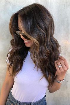 """""""Sunlight Brunette"""" Is the Most Low-Maintenance Color for Summer - All For Hair Color Trending Brown Hair Balayage, Hair Color Balayage, Hair Highlights, Face Frame Highlights, Dark Brunette Balayage Hair, Dark Balayage, Long Brunette Hair, Brunette Color, Color Highlights"""