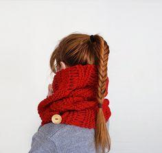 gestrickt - Gestrickte Wolle Schal in Rot, Winter-Schal - ein Designerstück von tsvm bei DaWanda
